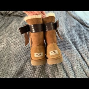Ugg boots , chestnut, leather bows, auntentic!